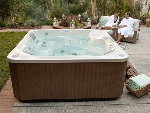 The importance of the spa chemicals in the hot tub