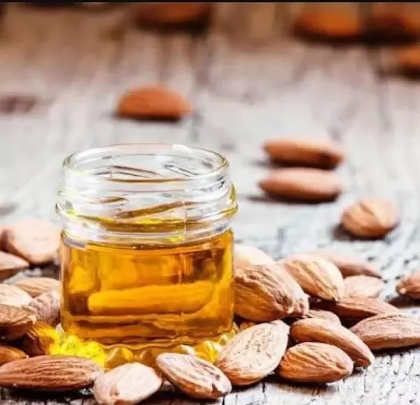 Tips to use almond oil on the skin to get a flawless look